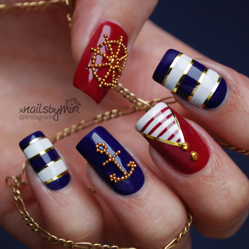 b280c_pretty-nautical-stripe-nail-art-bmodish